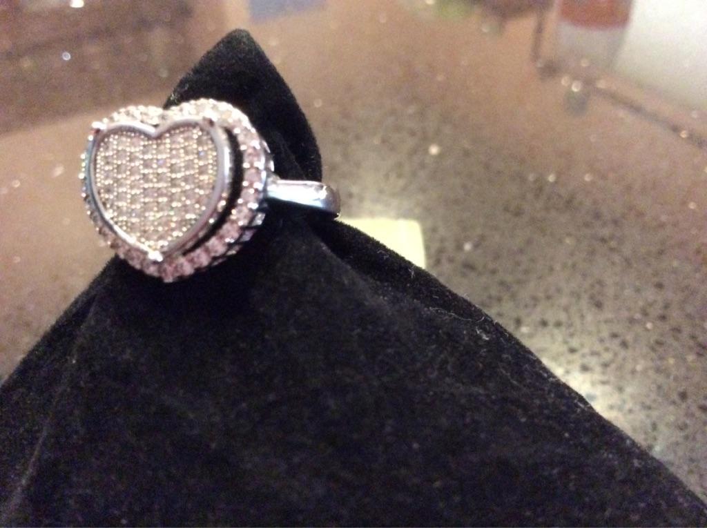 JUDITH RIPKA Pavé Heart Ring