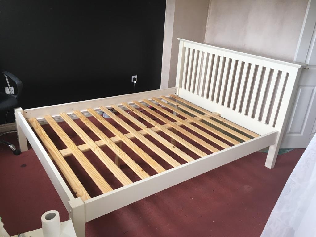 White Julian Bowen kingsize bed