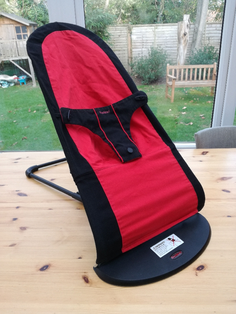 BABYBJÖRN bouncer in black and red