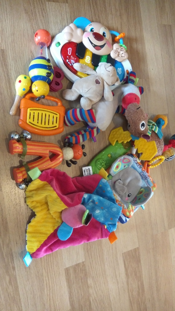 Toy bundle and wooden activity table