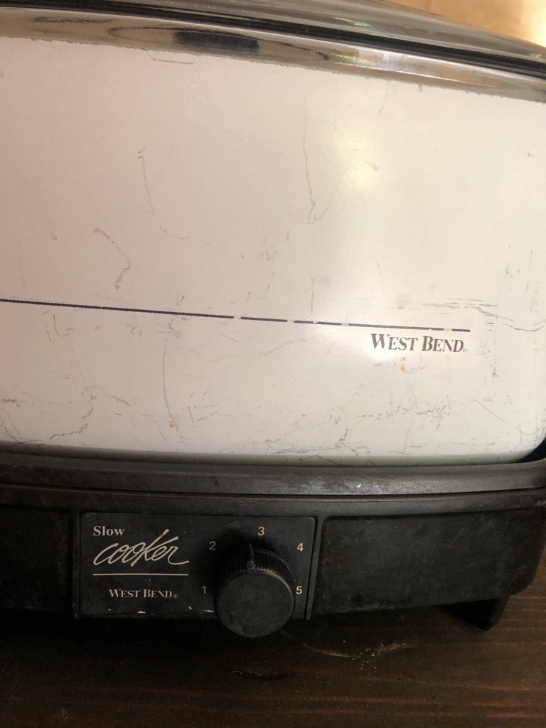 Small crockpot by West Bend