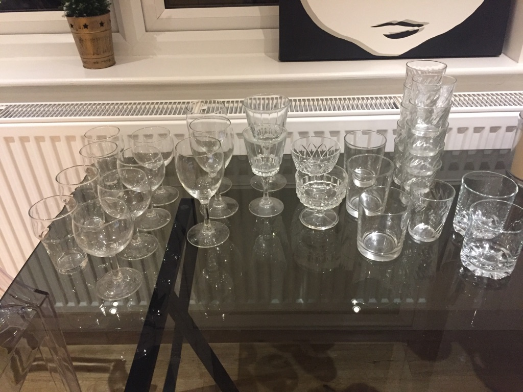 Job lot of 33 glasses