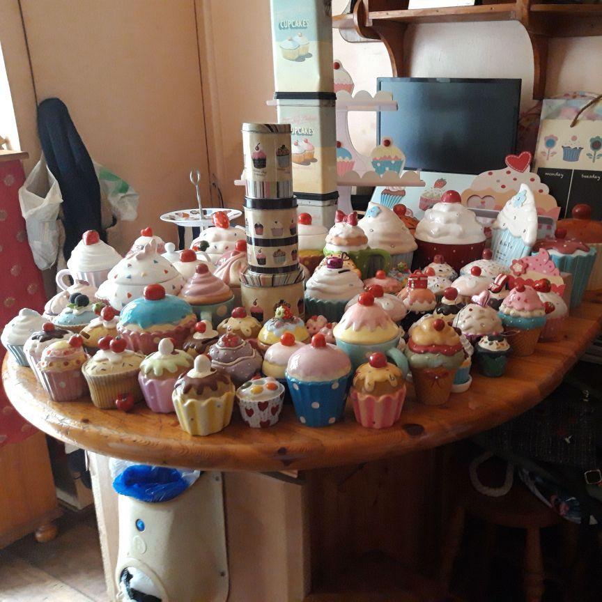 Asstd cupcake things