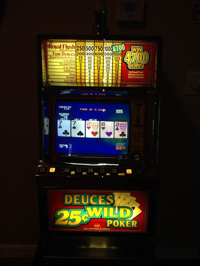 ITG .25 Deuces video poker machine
