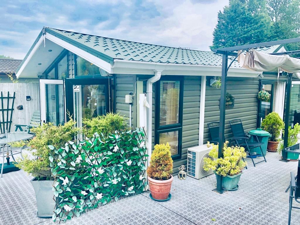 Pre Loved Lodge Lake Views 2019 Fees & Decking