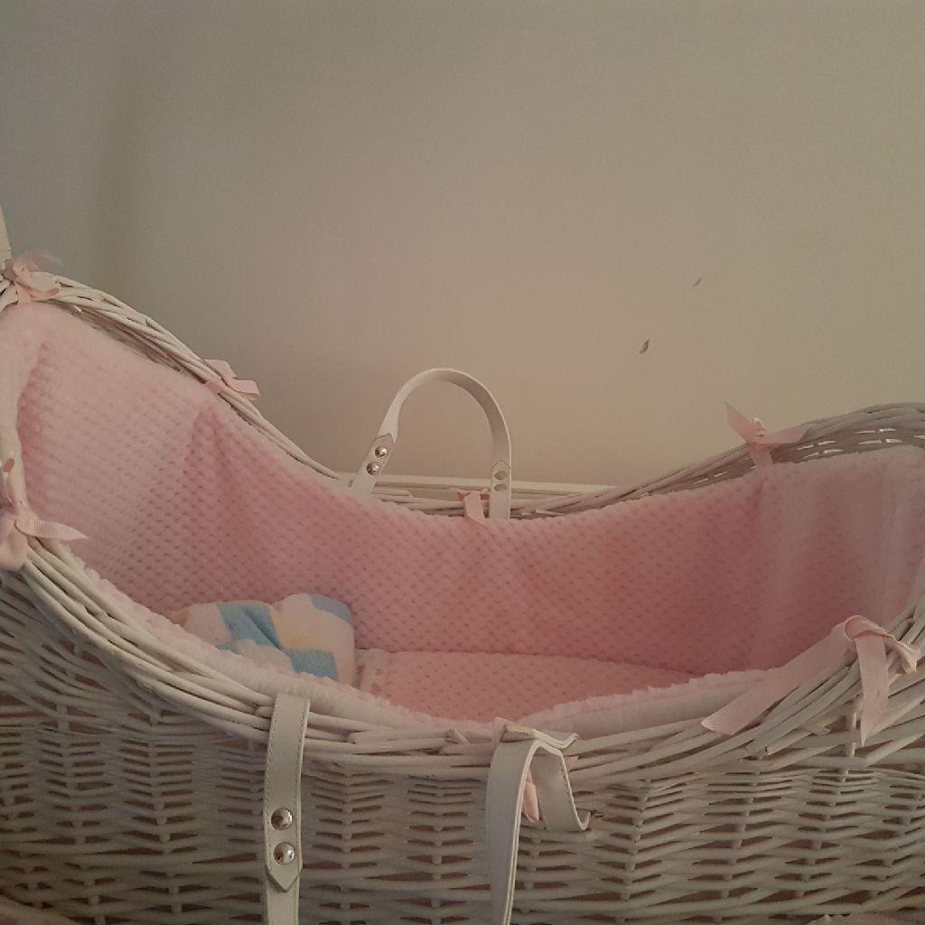 Moses basket pod