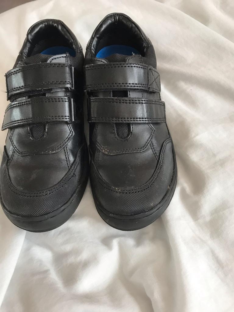 Black school shoes - boy's size 2.5