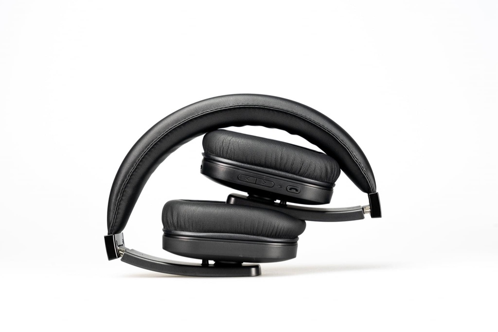 10TECH HD Wireless Bluetooth 4.0 +EDR Stereo Headphones Over Ear   BLACK