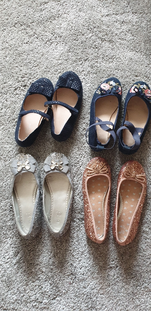 Girls x4 shoes , excellent condition