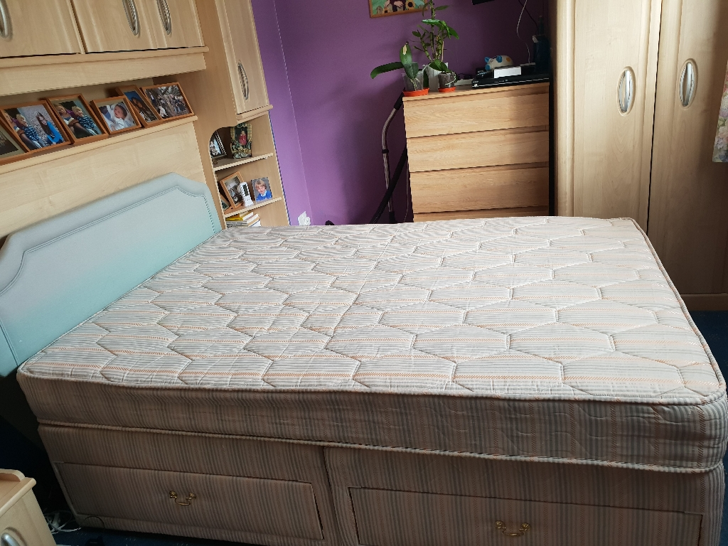 Double divan bed with four drawers and a mattress