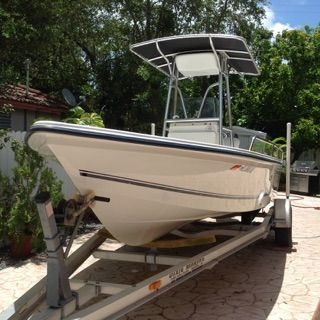 2006 Sea Boss 21.5' Center Console with T-Top