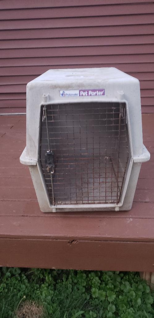 Petmate pet porter house