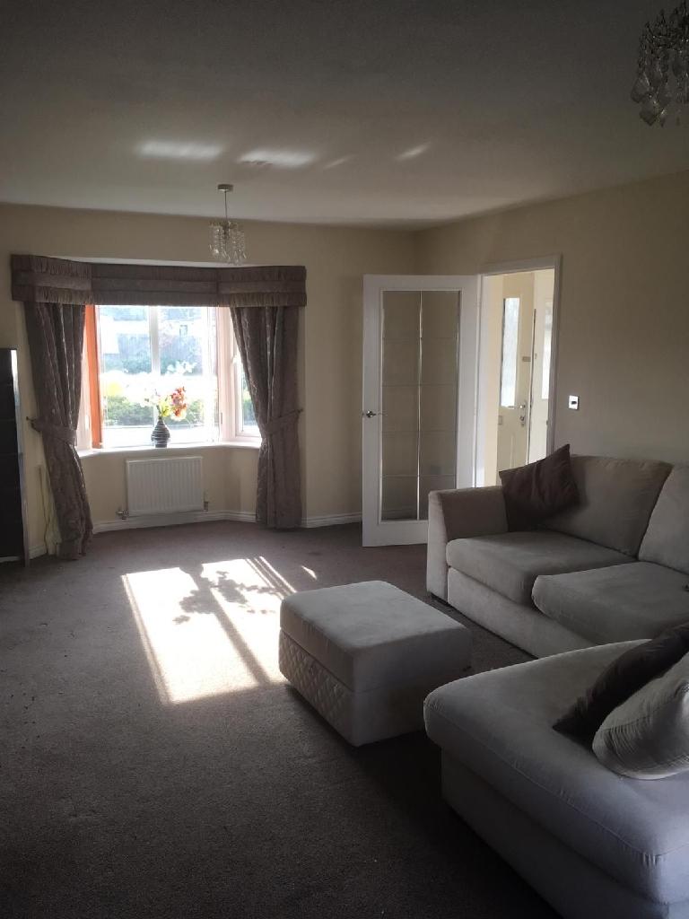 4 bedroom detached house to rent