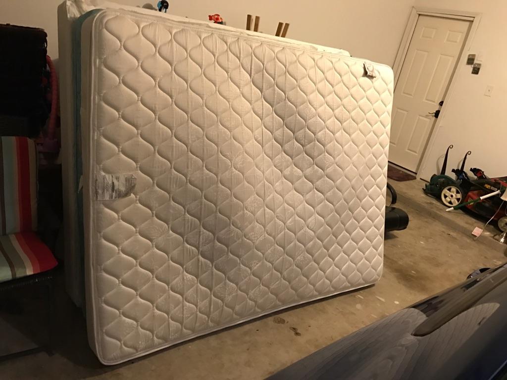 Flawless pillow top mattress