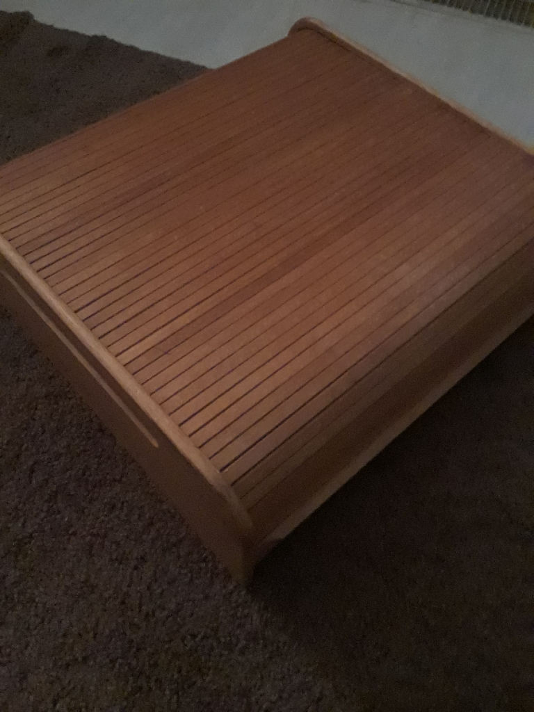 Wooded office tray with closible top