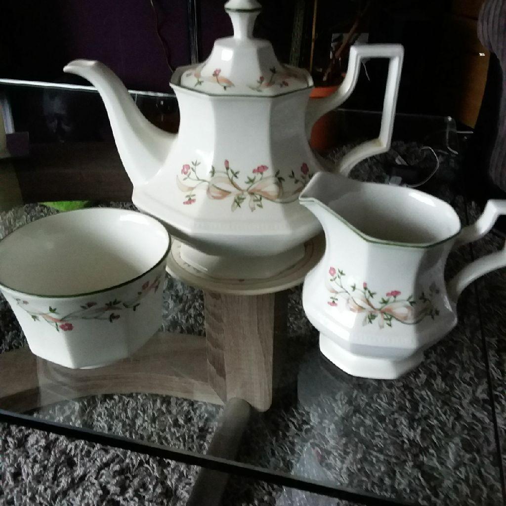 Eternal Beau Teapot, Stand, Milk Jug and Sugar Bowl