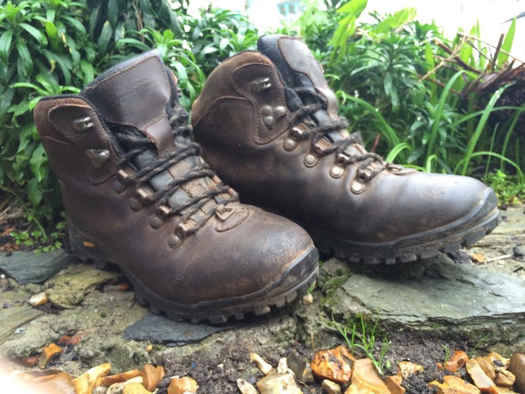 Womens 5.5 walking boots