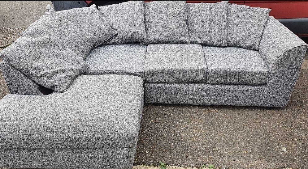 3 months old corner sofa