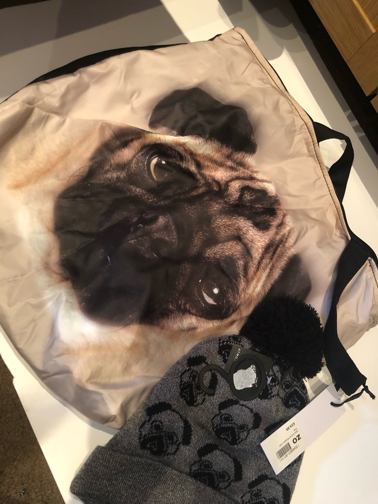 Pug bag with free hat