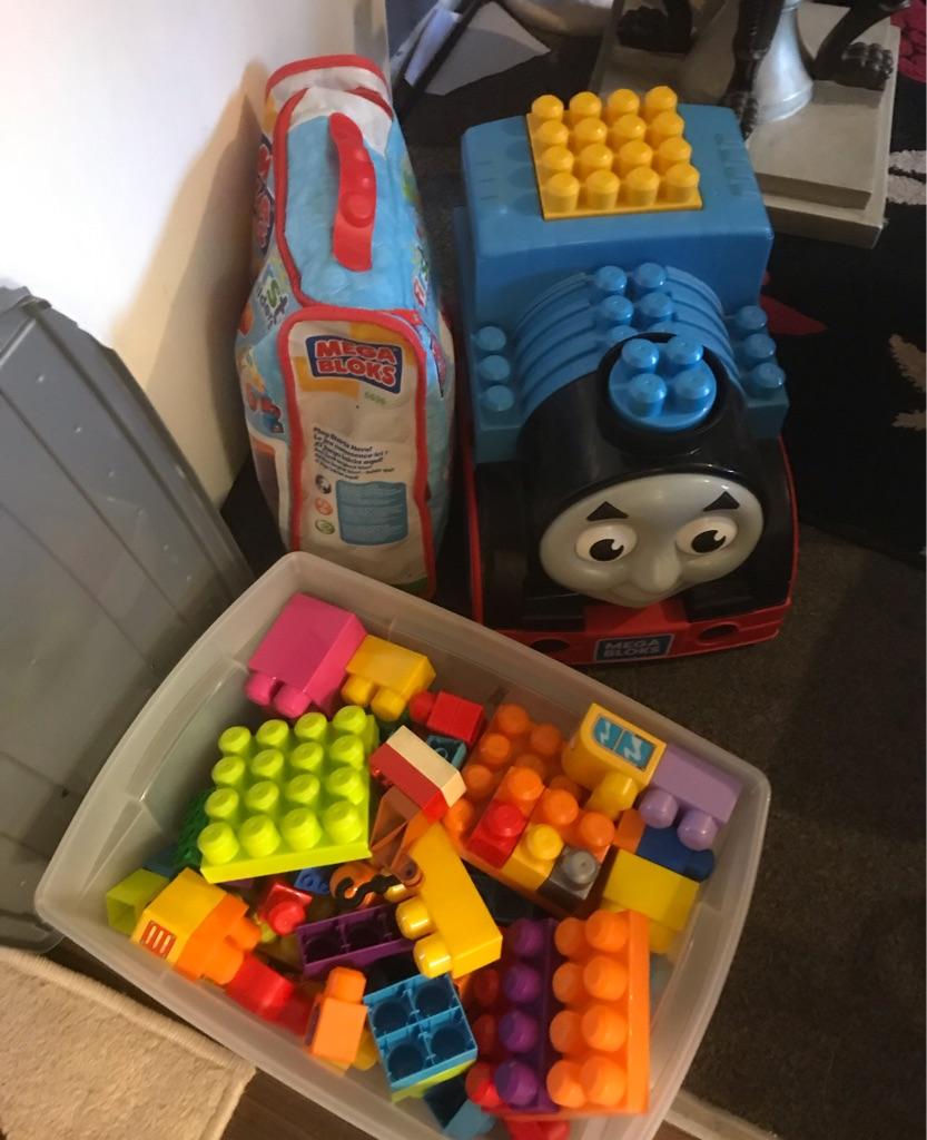 Thomas Lego storage plus extra Lego