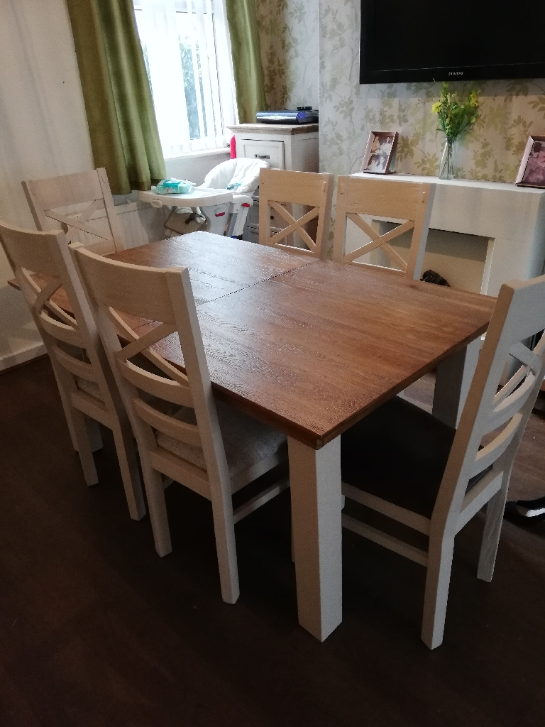 Oak Furniture Land table & Chairs