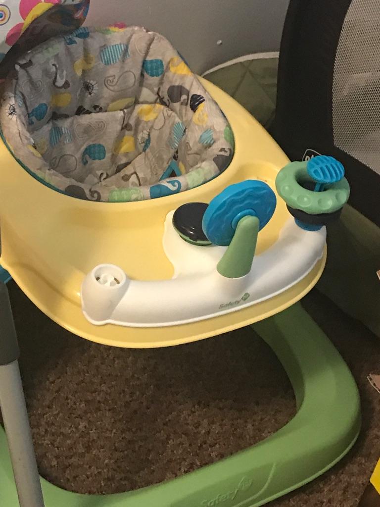 Baby sitting toy