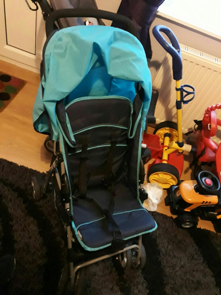 Lighe weight pushchair