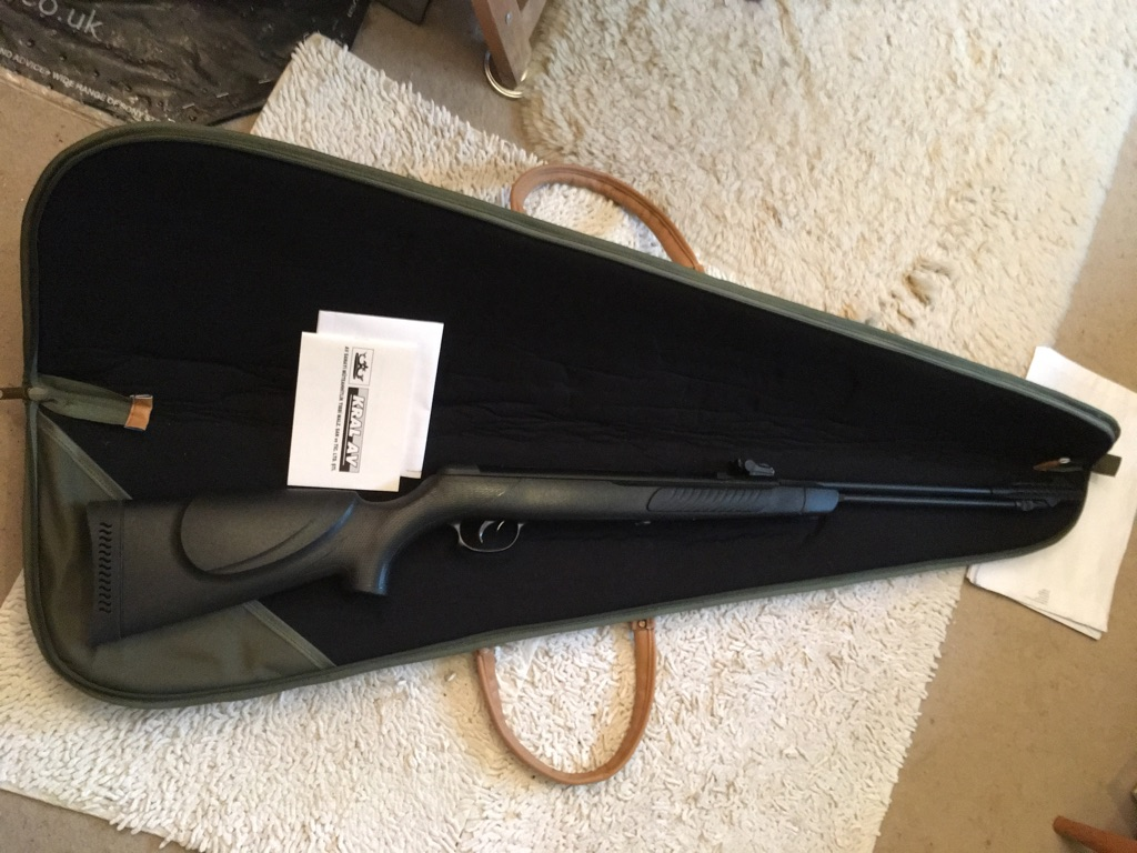 Kral .22 underleaver air rifle/soft case /handbook £ 110 John  01980 610940 if out leave a message