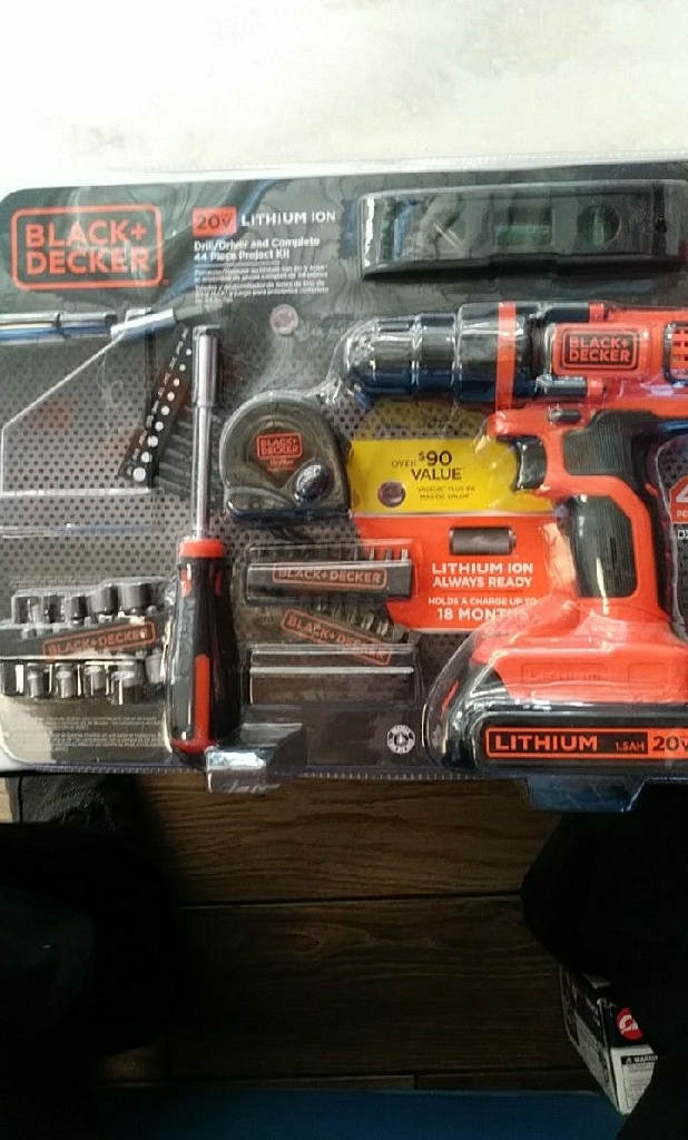 Black & Decker 20v lithium ion cordless drill kit