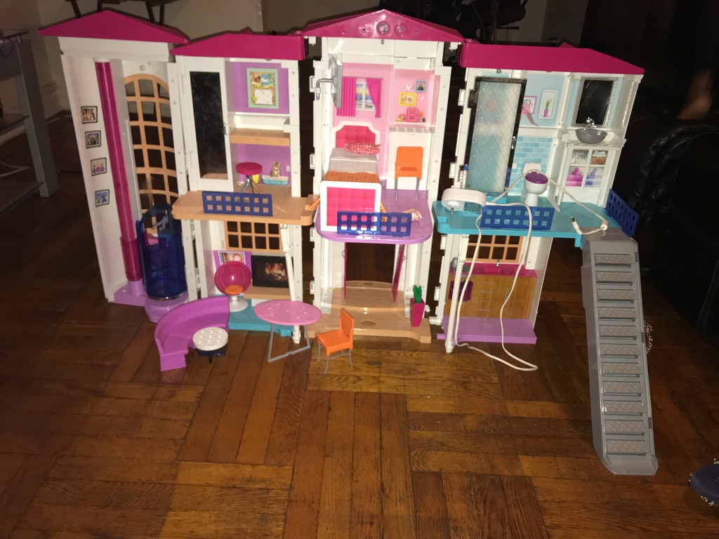 Barbie® Hello Dreamhouse