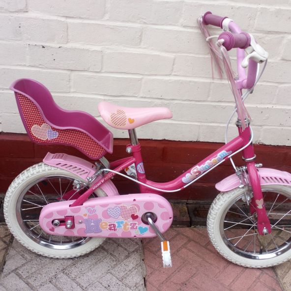 Girls Pink Sunbeam bike.