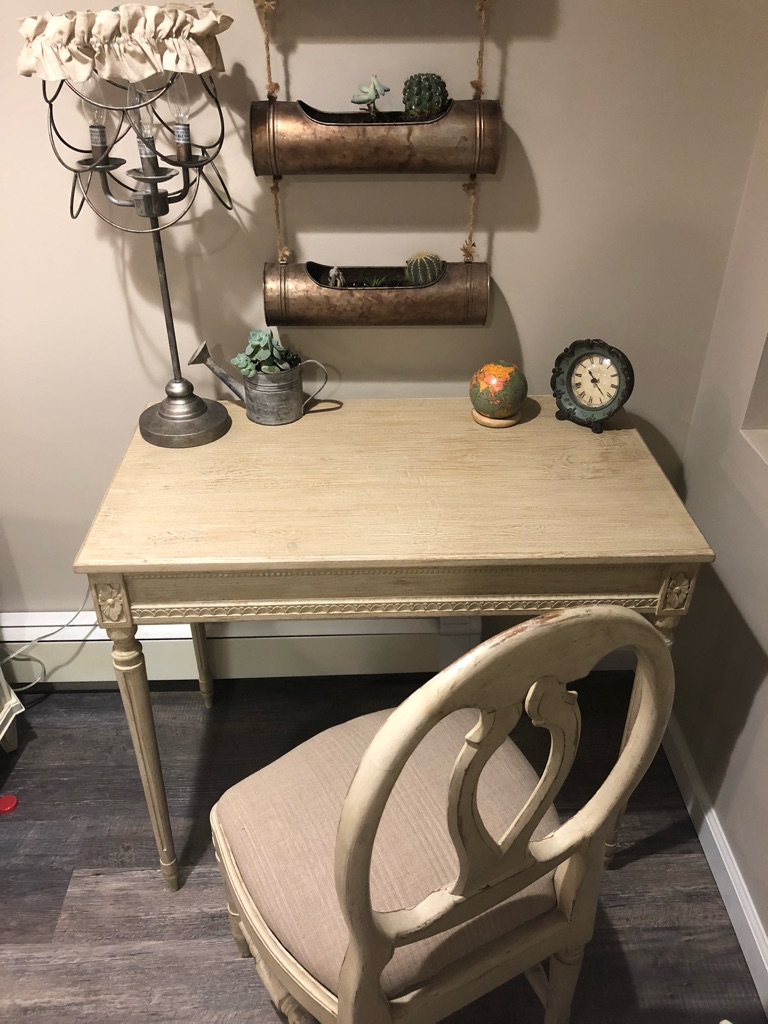 Gustavian desk and chair