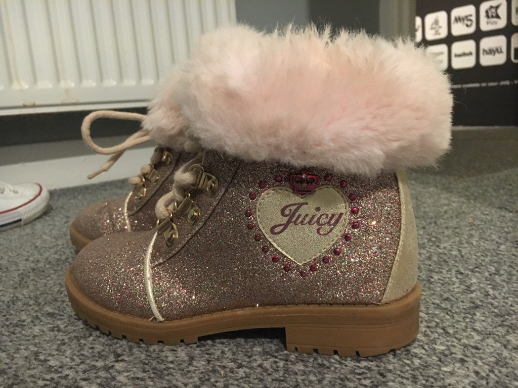Juicy couture girls boots