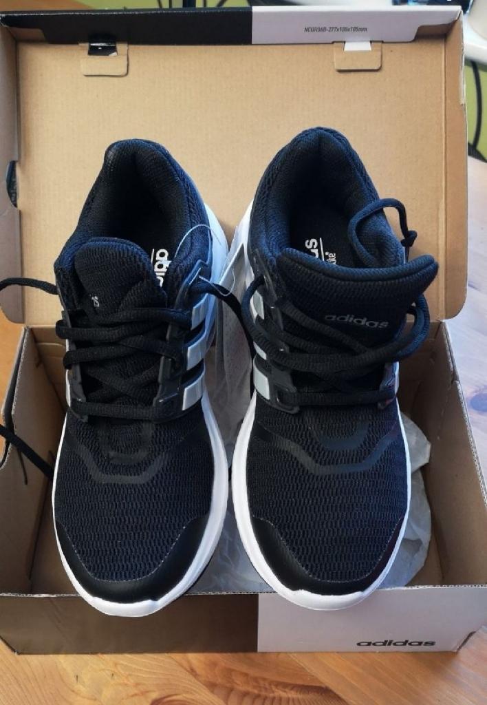 Adidas running trainers size UK 5