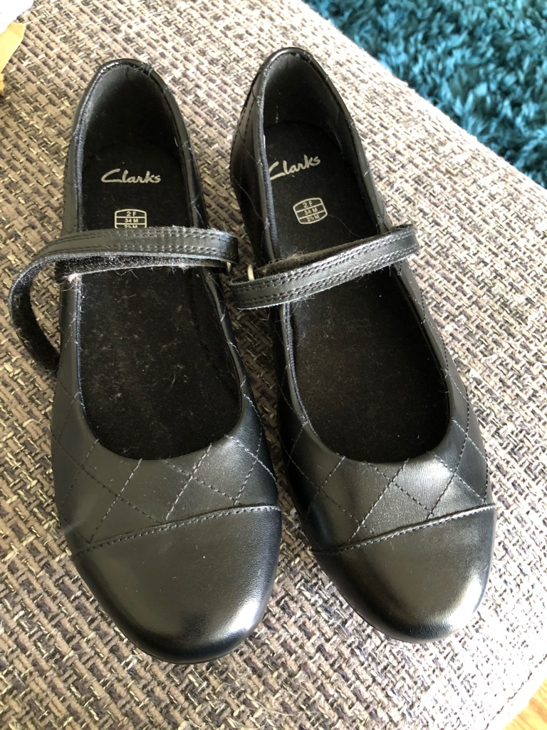 buying new search for newest limited style Clarks shoes 2F NEW