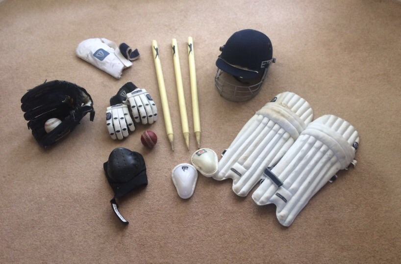 Children's cricket gear