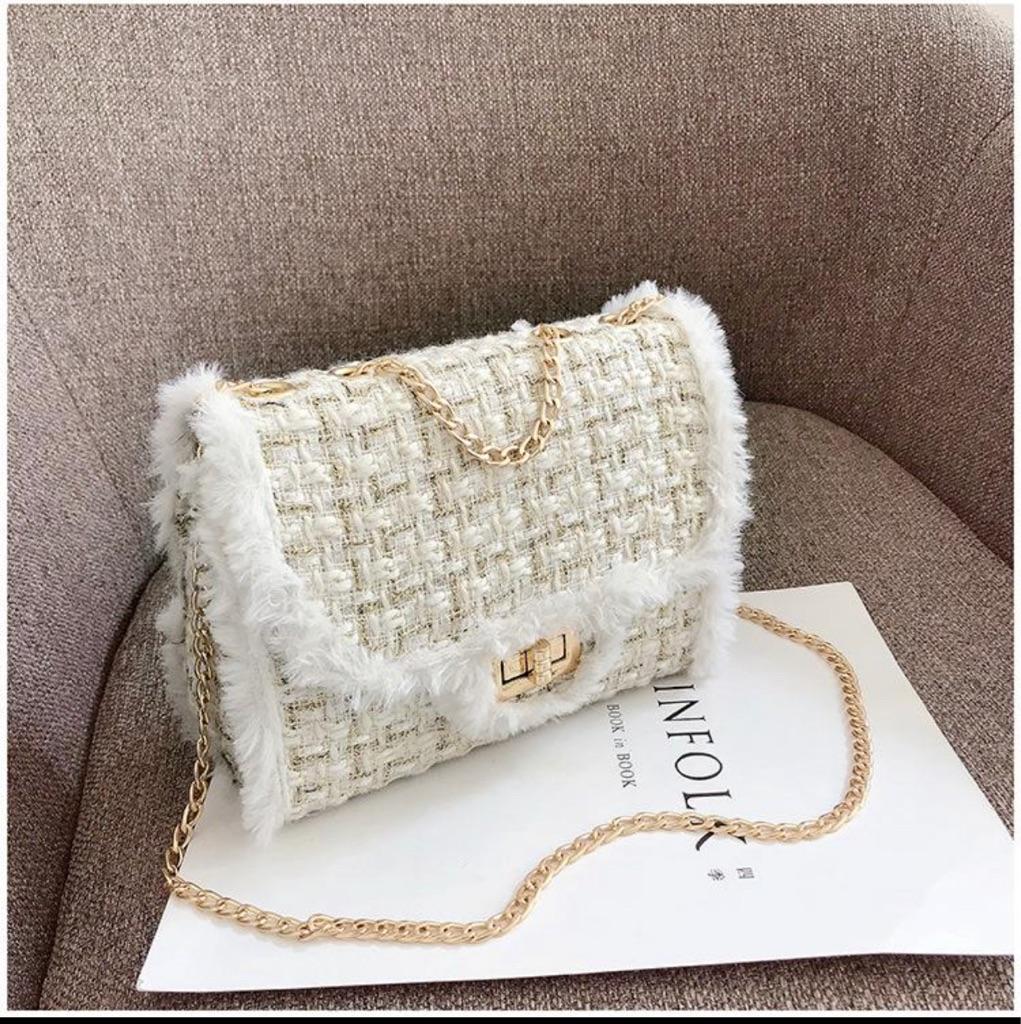 Single Shoulder Diagonal Bag Ins The Same Wool