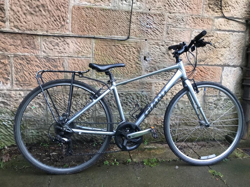 Giant Hybrid Bike - Small - FULL WORKING ORDER