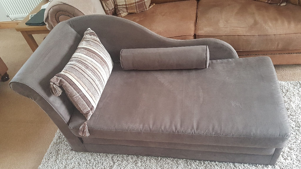 Chase/fold out sofa bed (double)