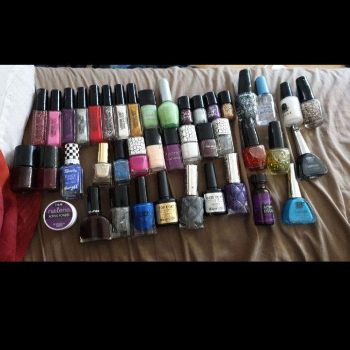 Various nail Polishes