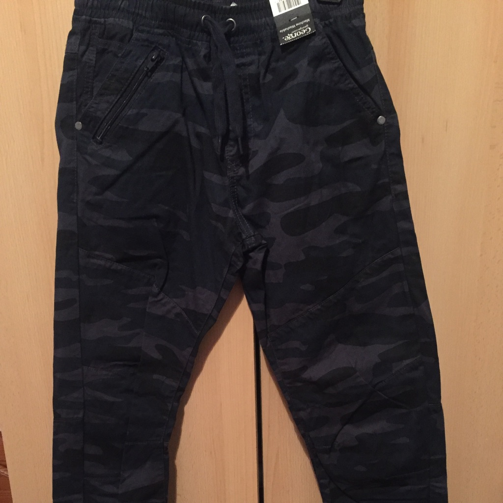 NEW jeans for boys size 9-10 years