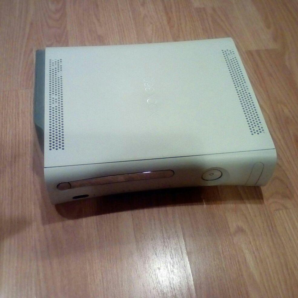 XBOX 360 (No Cords)