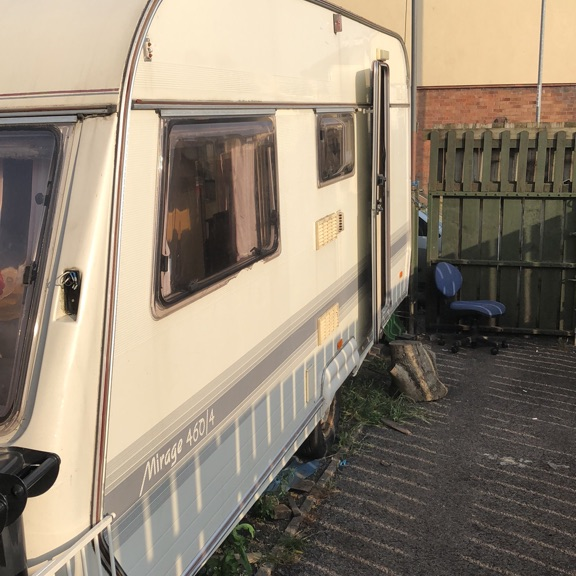 Caravan mirage 460/4