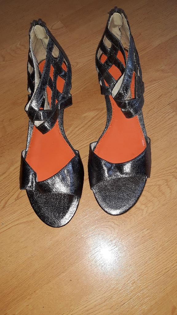 Sandal by Lovelabel