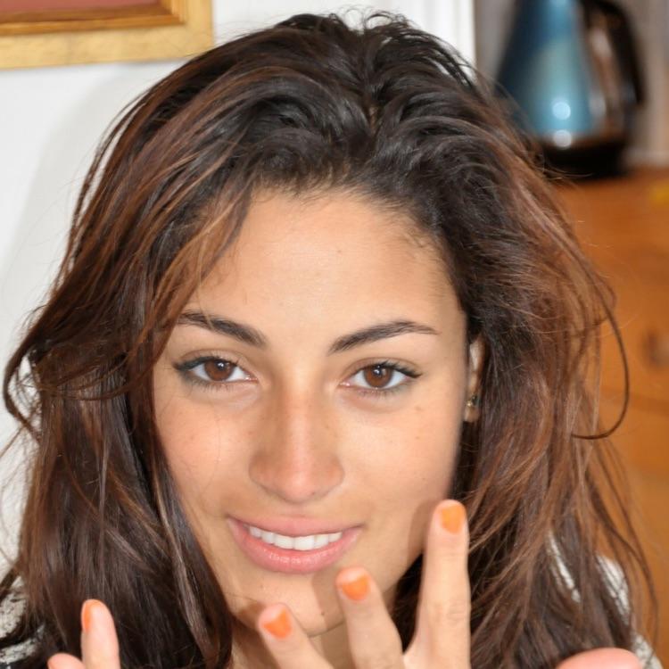 Lara W.