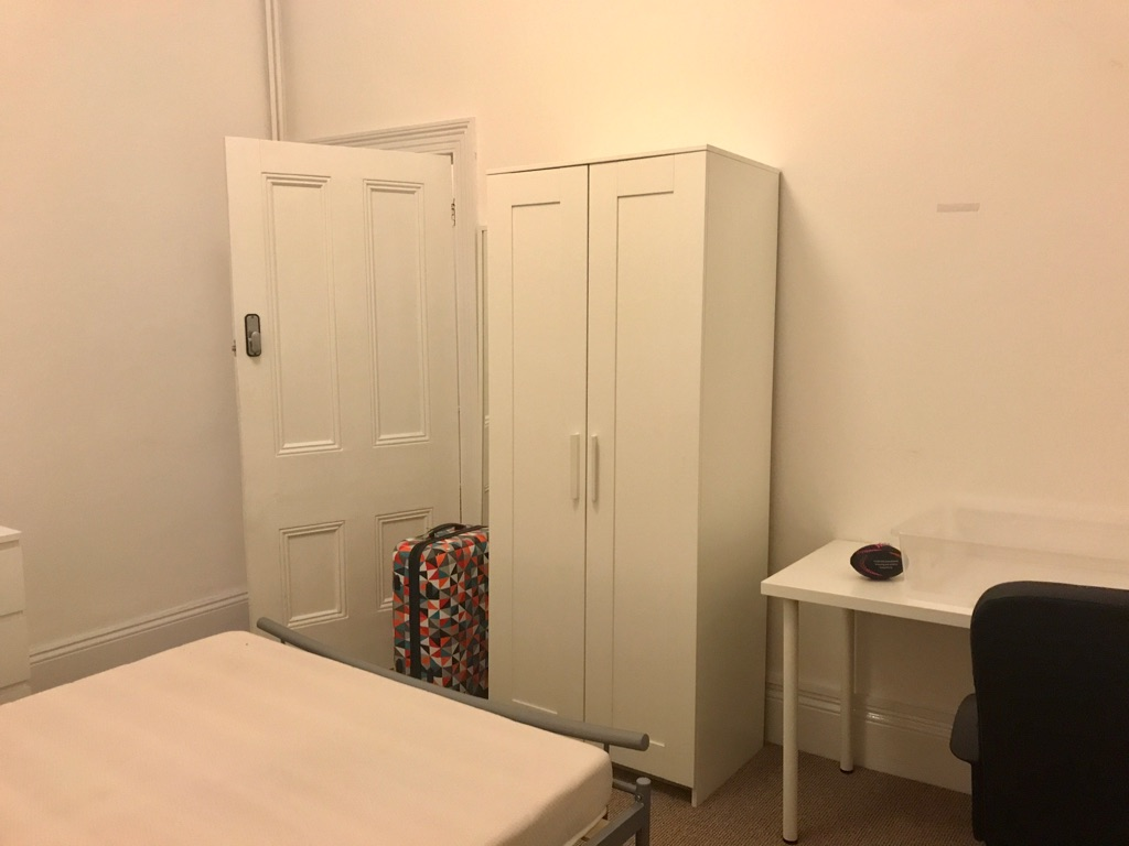 STUDENT ROOM available in Plymouth