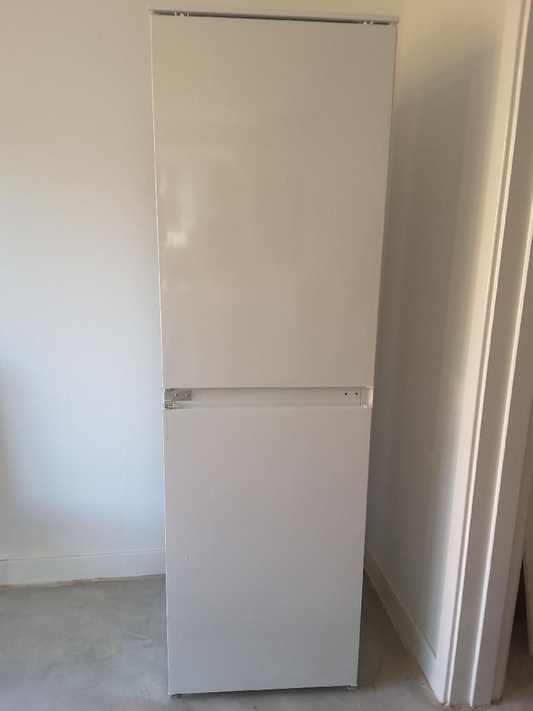 Zanussi Integrated Fridge/Freezer