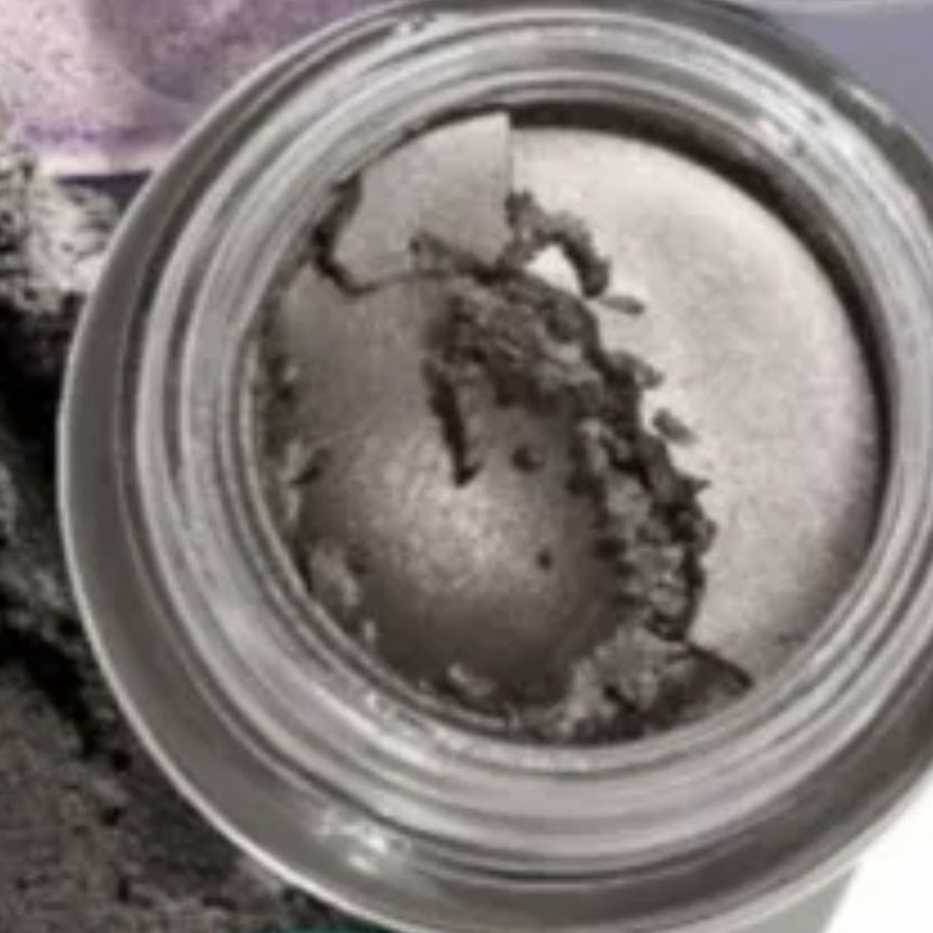 Avon mark 18 hr Artist eyeshadow