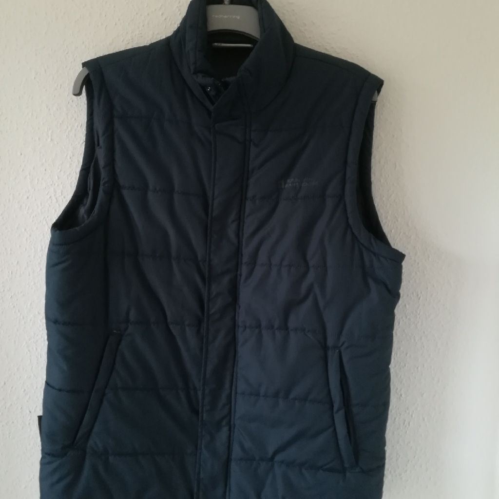 Mens navy Gilet from Mountain Warehouse size large