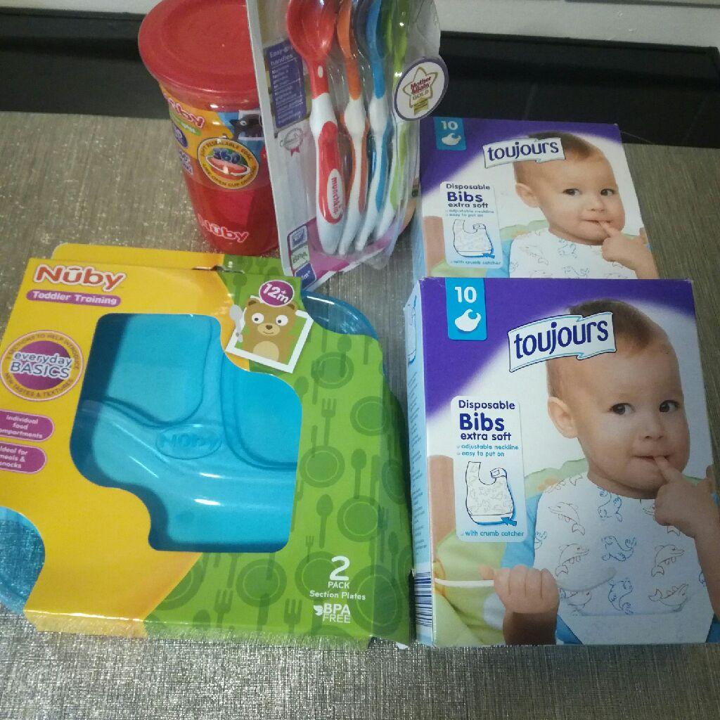 Baby feeding set